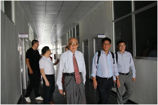 菲律宾国父大学研究生院院长 来我校访问