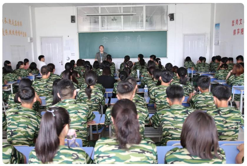 学军人之风采,强自身之素质——我校2019级新生军训进行时