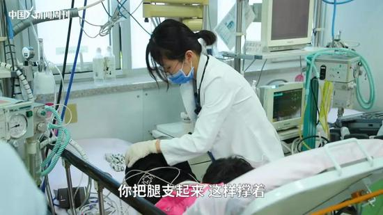 转:实拍儿科医生荒 以后谁给我们孩子看病?